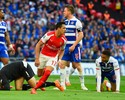 """Com dois de Alexis e """"frango"""", Arsenal vai à decisão da Copa da Inglaterra"""