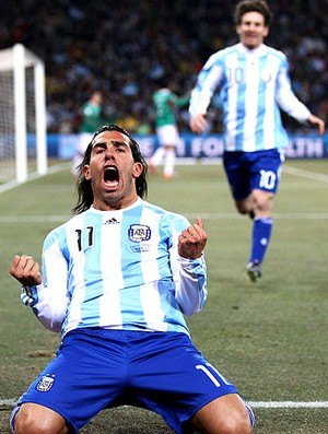 Tevez Messi gol Argentina (Foto: Getty Images)