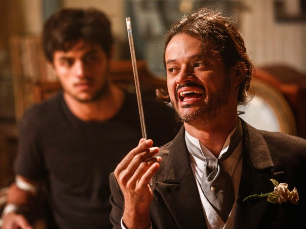 Haroldo conta todo seu plano maligno para Cobra (Foto: Raphael Dias / Gshow)