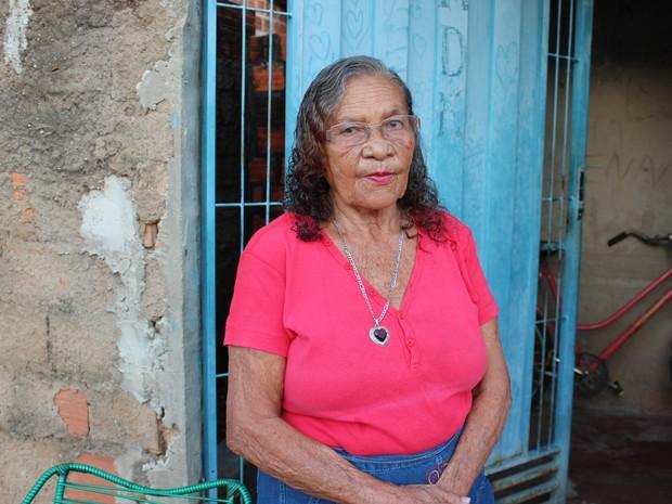 """""""não posso dizer que estou feliz. Hoje vivo na solidão"""", diz Maria da Inglaterra (Foto: Ellyo Teixeira/G1)"""