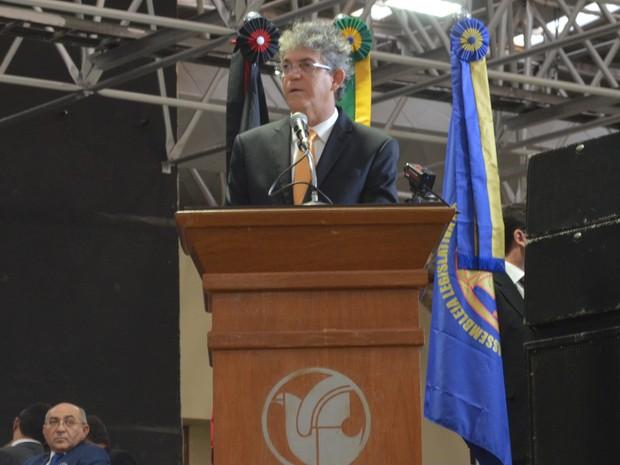 Ainda o discurso de posse, o governador relembrou os primeiros anos de governo e relacionou alguns desafios para a segunda gestão (Foto: Frederico Martins/G1)
