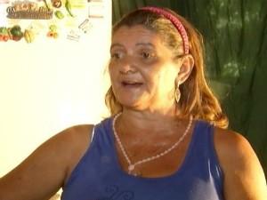 Maria do Carmo, amarrou o filho para não vê-lo morrer (Foto: Reprodução Inter TV Grande Minas)