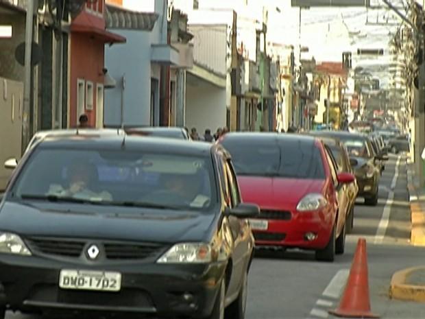 Cidades do Alto Tietê registram aumento na frota de veículos (Foto: Reprodução/TV Diário)