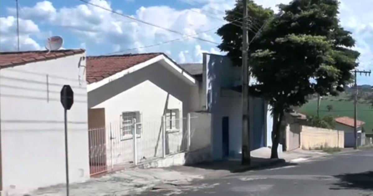Casal é baleado por assaltantes durante roubo a casa em Guaxupé - Globo.com