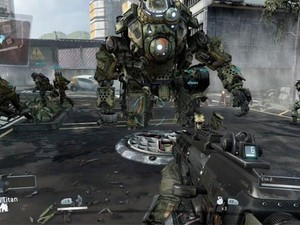 Titan aparece em combate de 'Titanfall' (Foto: Divulgação/Electronic Arts)