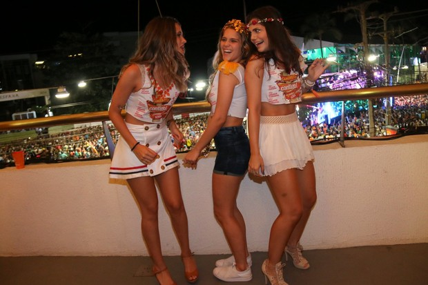 Juliana Paiva, Isabela Santoni e Jessika Alves (Foto: CLEOMIR TAVARES / DIVULGAÇÃO)