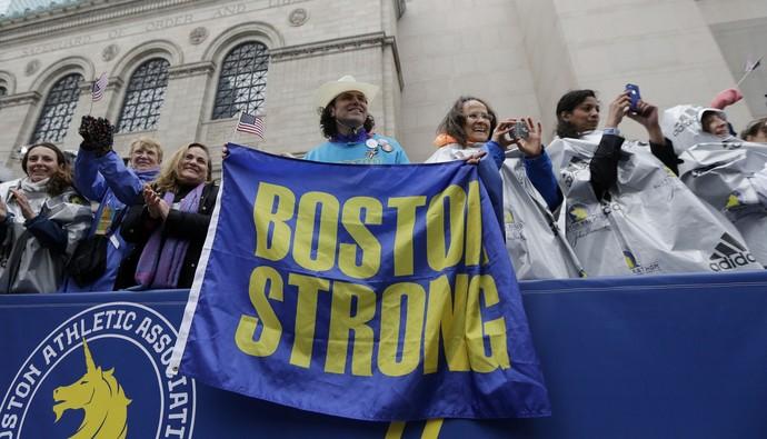 Maratona de Boston  (Foto: Elise Amendola / AP)