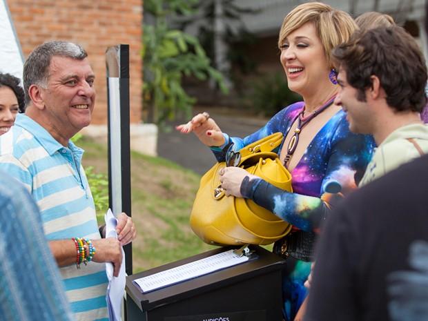 Jorginho se prepara para contracenar com Claudia e Conrado Caputo (Foto: Fabiano Battaglin / Gshow)