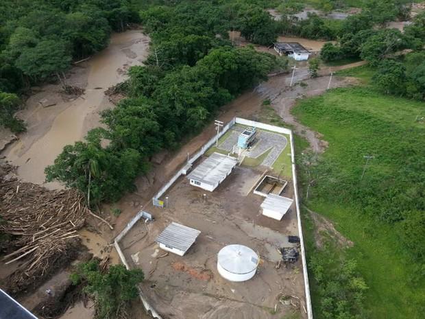 Cenário é de destruição no Vale do Ribeira (Foto: Solange Freitas / G1)