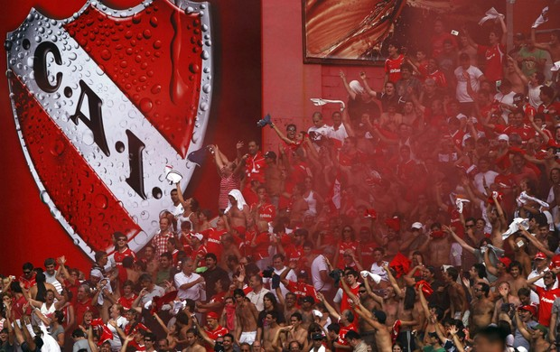 Torcida do Independiente (Foto: Reuters)