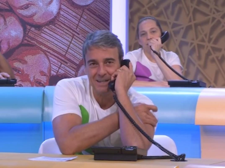 Alexandre Borges recebeu ligações para o Criança Esperança 2013 (Foto: Reprodução/Globo)