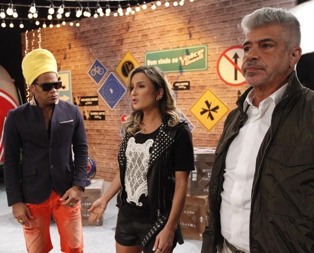 Carlinhos Brown Claudia Leitte Lulu Santos gravação vinheta Trailer (Foto: Raphael Dias/TV Globo)