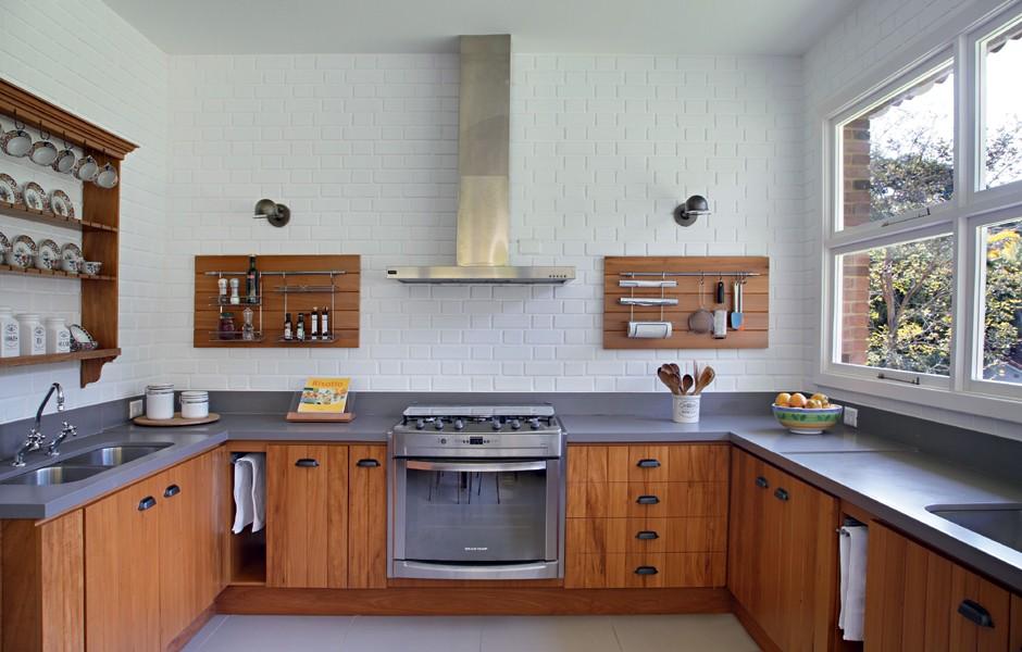 Madeira na cozinha  Casa e Jardim  Cozinha # Bom Negocio Armario De Cozinha Es