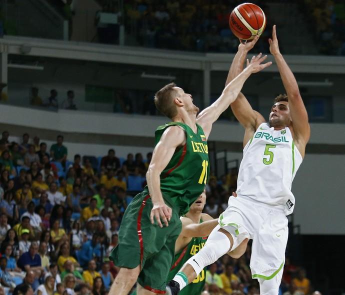 brasil, lituânia, raulzinho, basquete, olimpíada rio 2016 (Foto: EFE/EPA/ Larry W. Smith)