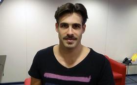 Com bigodinho e cavanhaque, Raoni Carneiro entra como 'justiceiro' em Gabriela