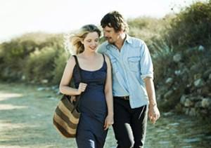 """Jesse (Ethan Hawke) e Celine (Julie Delpy)  casados no filme """"Antes da meia noite"""": Final feliz? (Foto: Divulgação)"""