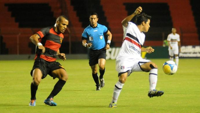 sport x santa cruz (Foto: Aldo Carneiro / Pernambuco Press)