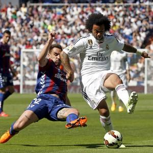 Marcelo Real Madrid Eibar (Foto: Reuters)
