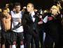 """Repórter chora com título do Santa Cruz e é """"dedurado"""" por treinador"""