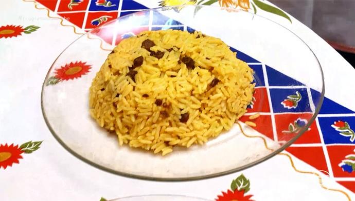 'Programão' dá a receita do arroz de Maria de Isabel (Foto: Reprodução/Rede Clube)