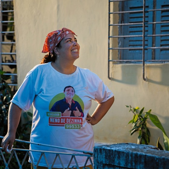 A atriz Fabiana Karla  caracterizada como a personagem do seu novo filme Lucicreide (Foto:  Tati Barroso)