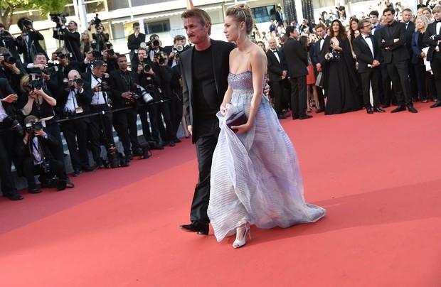 Sean Penn e Dylan Frances Penn no Festival de Cannes 2016 (Foto: AFP)