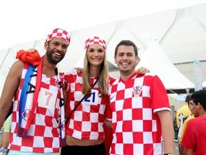 Grupo croata torceu para a seleção do país na Arena da Amazônia  (Foto: Jamile Alves/G1 Amazonas)