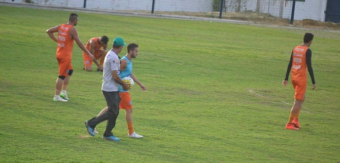 Moroni em treino antes de partida contra Portuguesa  (Foto: Didupaparazzo)