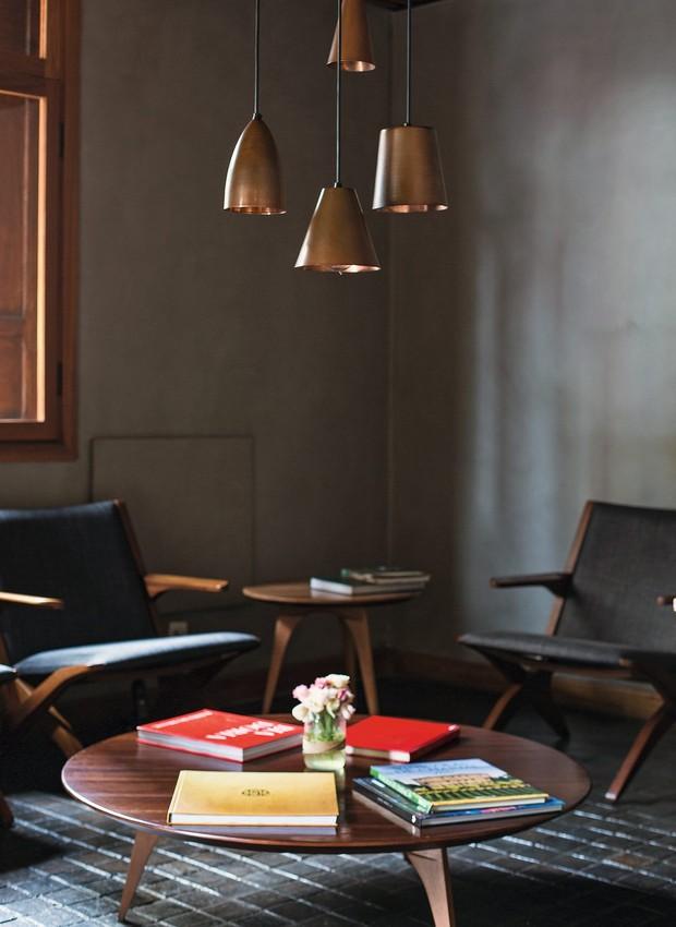 O lounge da entrada do restaurante (Foto: Rogério Voltan / Editora Globo)