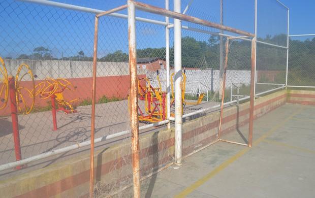 Arenas esportivas de Macapá já não oferecem condições para atividades  (Foto: Jonhwene Silva)