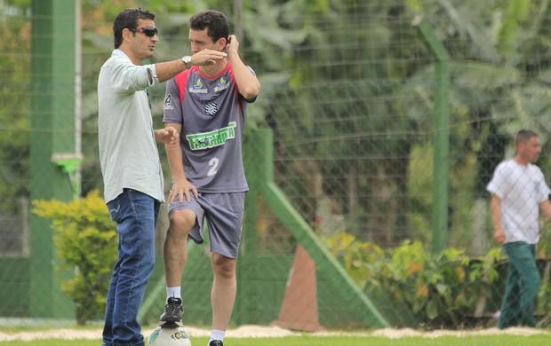 Fernandes e Chico Lins, do Figueirense (Foto: Luiz Henrique, Divulgação / FFC)
