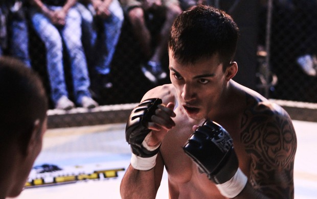 Thomas Almeida MMA (Foto: Carol Correia / Divulgação Bison FC)