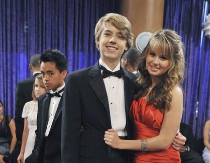Debby Ryan e Cole Sprouse em 'Zack e Cody: Gêmeos à Bordo' (Foto: Reprodução)