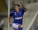 Cruzeiro rescinde com Willian e fica com Robinho por mais três anos
