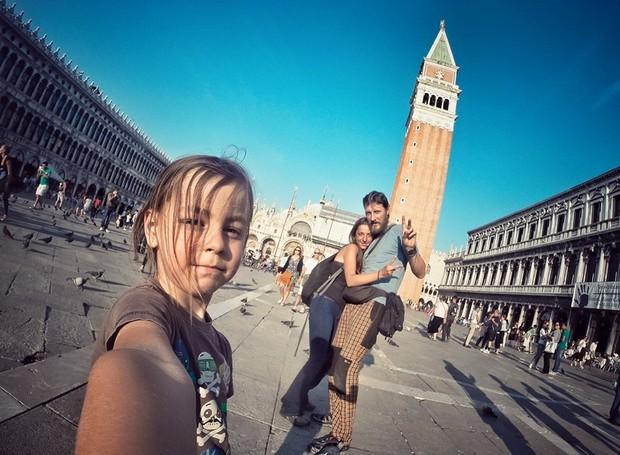 Em Veneza (Foto: Reprodução / Facebook)
