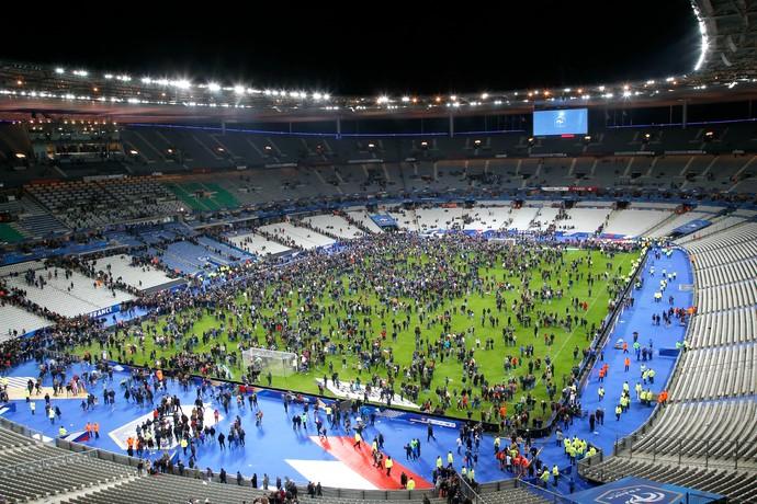 Torcida Stade de France França Alemanha (Foto: AP)