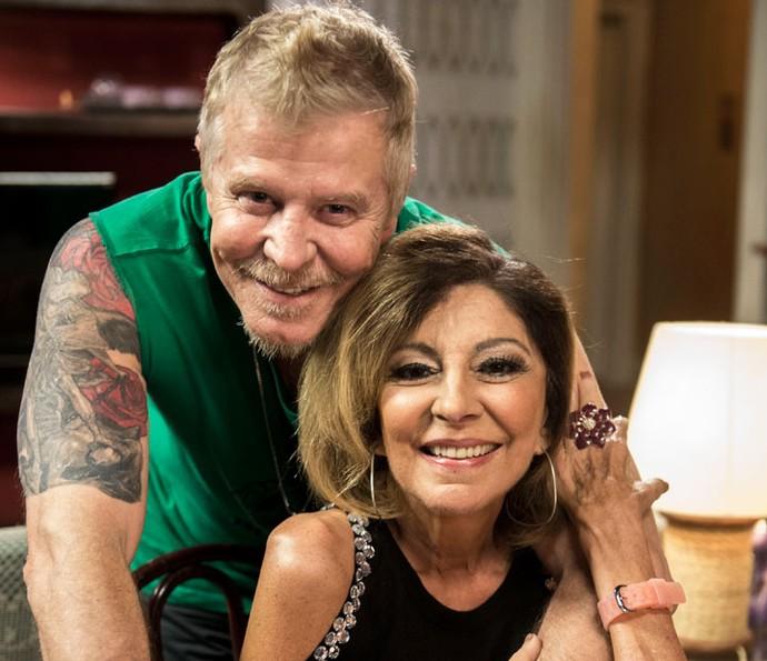 Miguel Falabella e Marília Pêra posam juntos no intervalo das gravações da quinta temporada de 'Pé na Cova' (Foto: Globo/Renato Rocha Miranda)