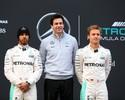 """Mercedes """"rasga bíblia"""" e libera briga entre Hamilton e Rosberg na reta final"""