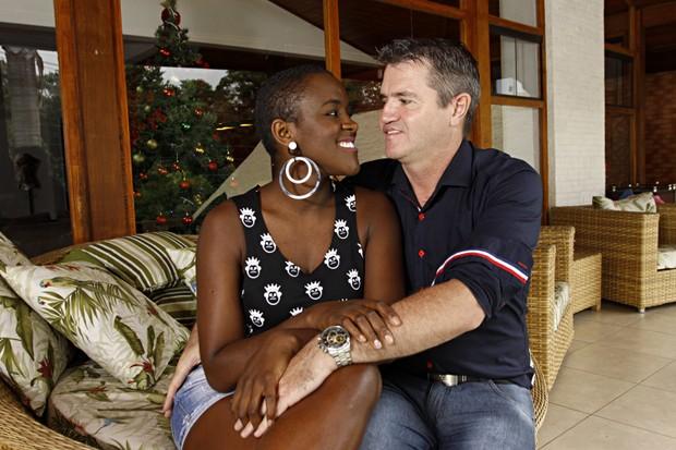 Angélica Ramos e o namorado, Laurent Mougeot (Foto: Celso Tavares/EGO)
