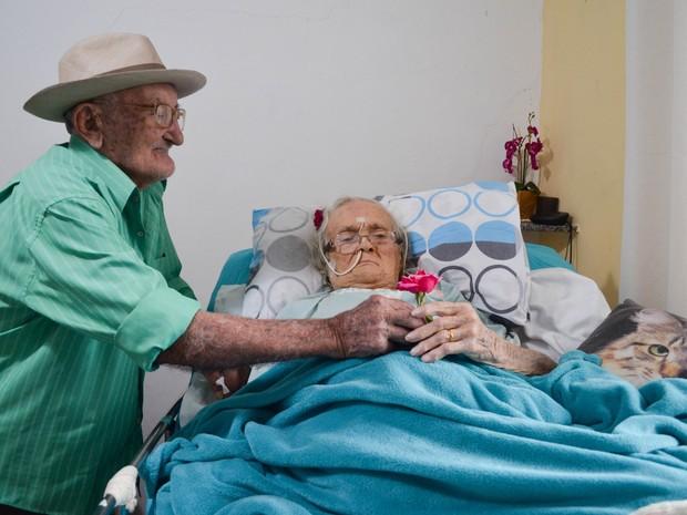 Casal completa 80 anos em Piracicaba (Foto: Laila Braghero/G1)
