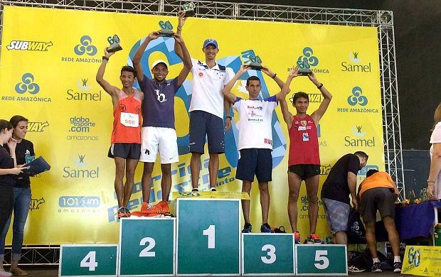 Ganhador dos 10km, Valdir Sérgio, fez a prova em 32m11s (Foto: Matheus Castro/ Globoesporte.com)
