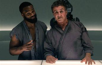 Woodley grava filme com Stallone e posta imagens do set ao lado do ator