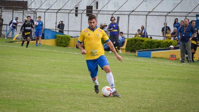 Conta luz Feliphe de Bem jogador atacante Pelotas (Foto: Tiago Winter / Rádio Universidade)