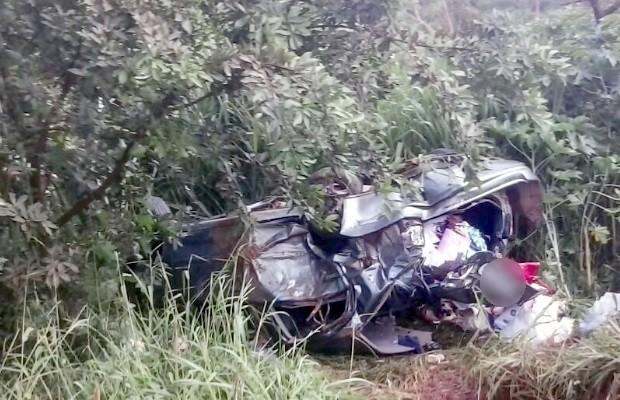 Acidente mata dois e deixa sete feridos na BR-020, em Formosa, Goiás (Foto: Divulgação/Corpo de Bombeiros)