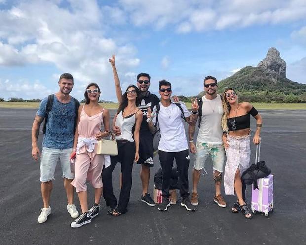 Ex-BBB Jonas Sulzbach, Mari Gonzalez chegando em Fernando de Noronha para o aniversário de Gabriela Pugliesi (Foto: Reprodução/Instagram)