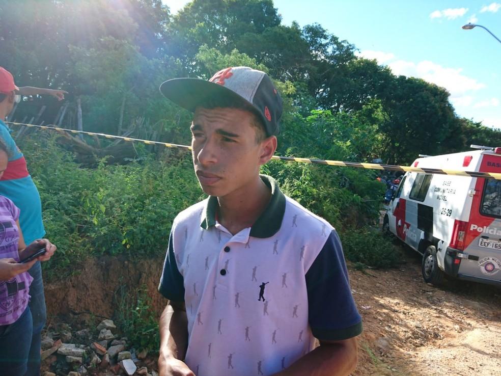 Wesley conta que viu piloto desviando de casas antes de cair em Sorocaba (Foto: Mayara Corrêa/G1)