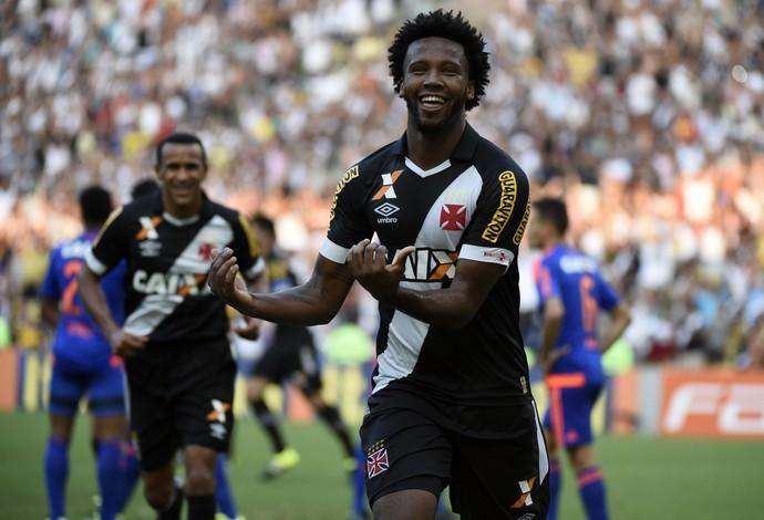 Comemoração Rafael Vaz - Vasco x Sport (Foto: André Durão)