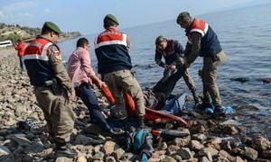 Migrantes morrem em naufrágio no Mar Egeu