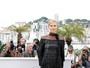 Veja o estilo de famosas como Charlize Theron em Cannes