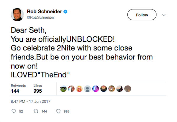 O ator Rob Schneider dizendo que desbloqueou Seth Rogen (Foto: Twitter)